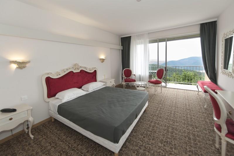 hotel-trois-epis0001
